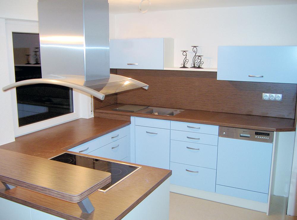 Wälde Küche Inselhaube Dekor hell Bild 1