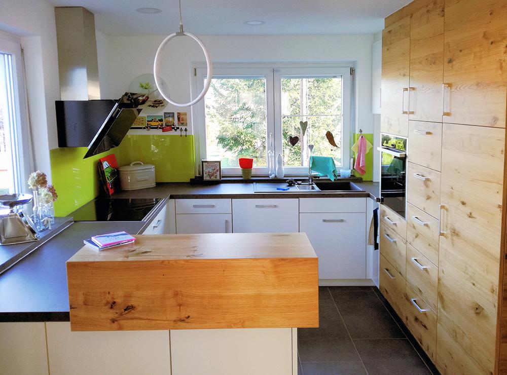 Wälde Küche deckenhoch UForm