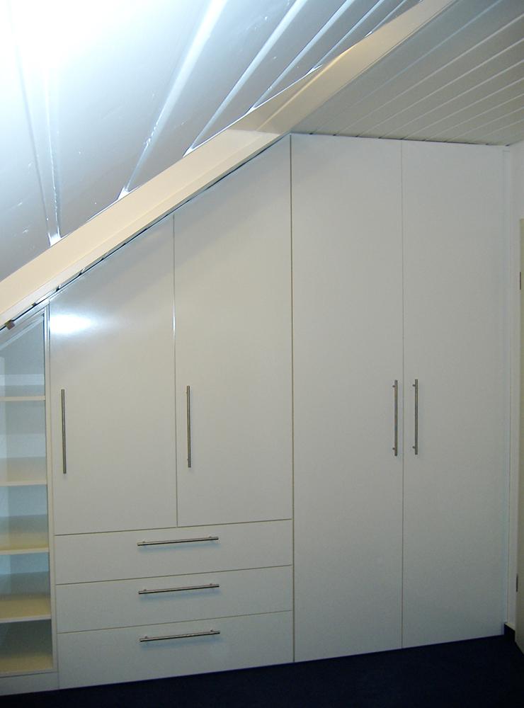 Wälde Schränke Einbauschrank Weiß Dachschräge geschlossen
