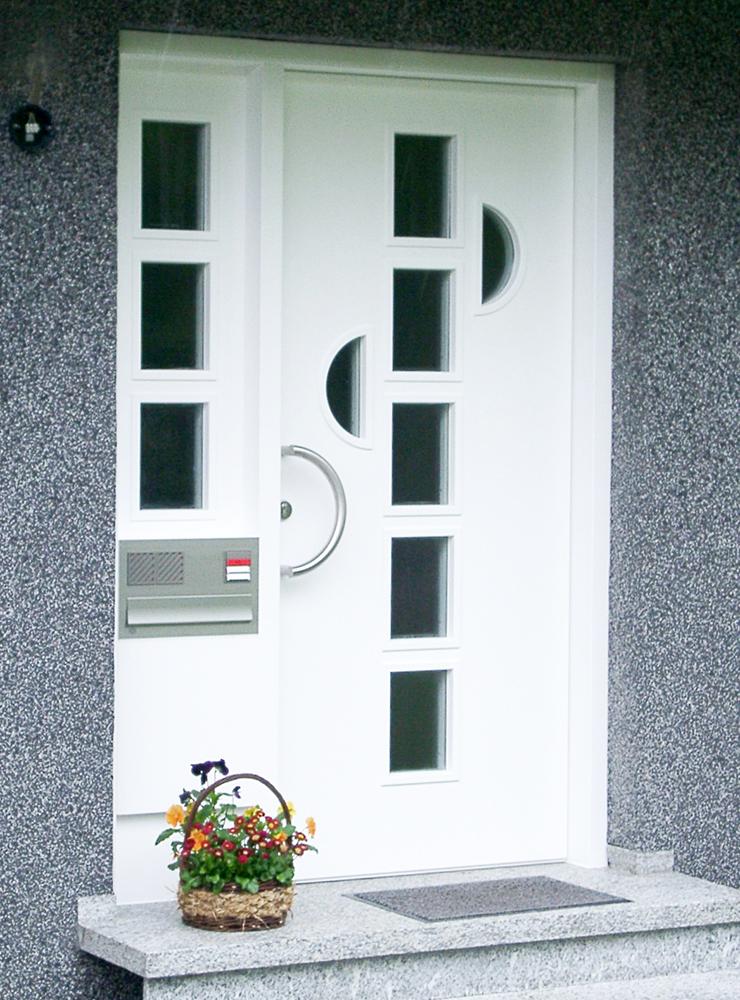 Wälde Türen Eingangstür weiß Fenster mittig